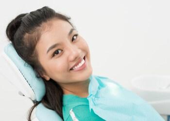 girl to remove her wisdom teeth