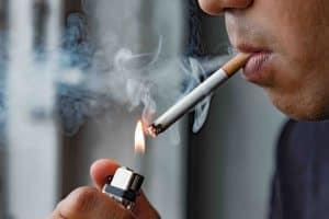 smoking damages oral health